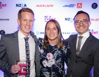 HighLight team accepts award