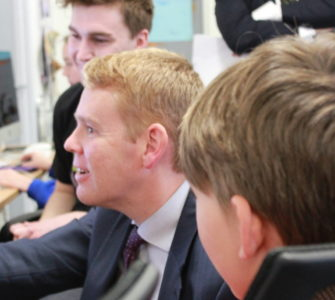 Education Minister Chris Hipkins visits Naenae Clubhouse